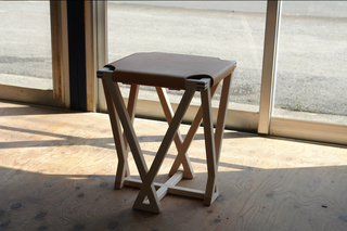 stool02M_02.png